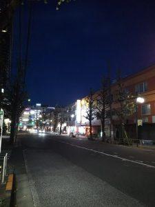 平成30年12月4日 夜のとちの木通りです