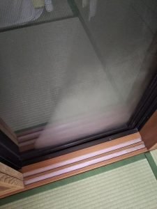 扇風機の風を当てていなかった窓