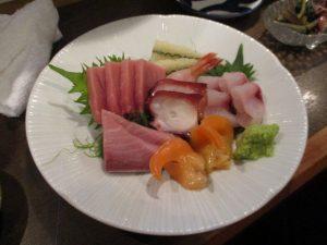 お刺身も新鮮で美味しい