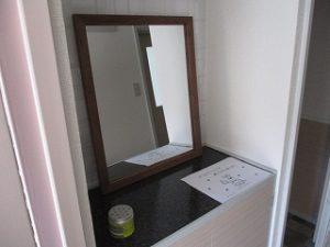玄関鏡セットしました