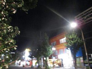令和元年9月23日 夜のRoom's Bar店頭です