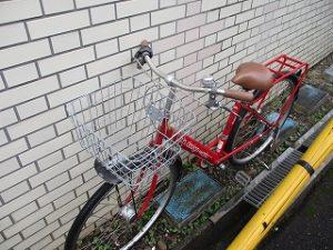自転車雨ざらし~(T_T)