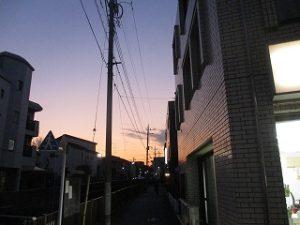 西側のお空はちょっと夕焼け