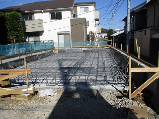 基礎工事が始まりましたね!
