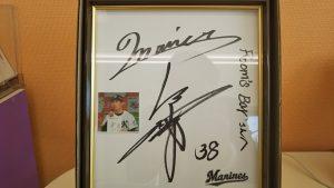 髙部選手のサイン色紙